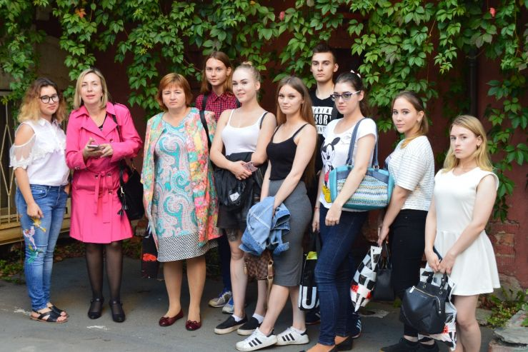 В течение 2017-2018 учебного года студенты специальностей «Туризм» и «Гостиничный сервис» участвовали в экскурсиях, организованных совместно с турфирмой «ВГУЭС Трэвэл».