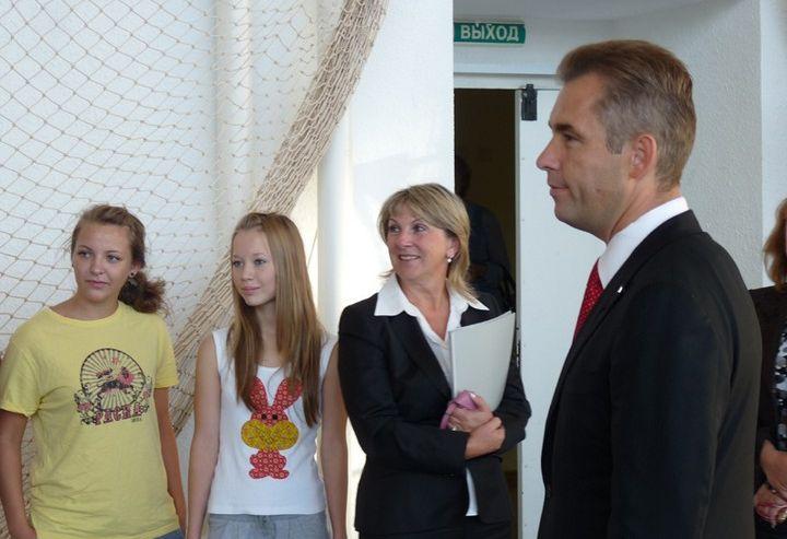 Павел Астахов пообещал пробежать кросс с учениками школы-интерната ВГУЭС