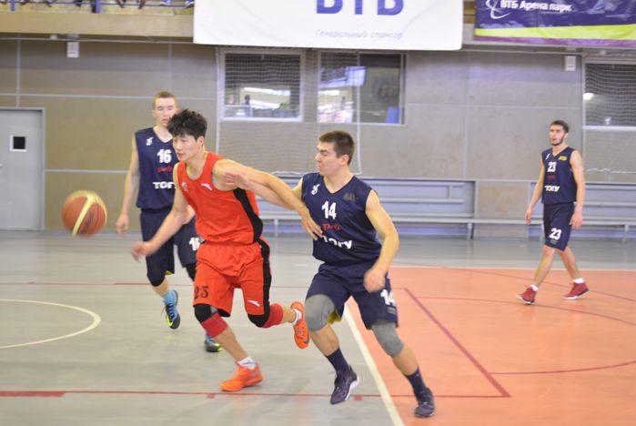 Во ВГУЭС проходят международные матчи по баскетболу