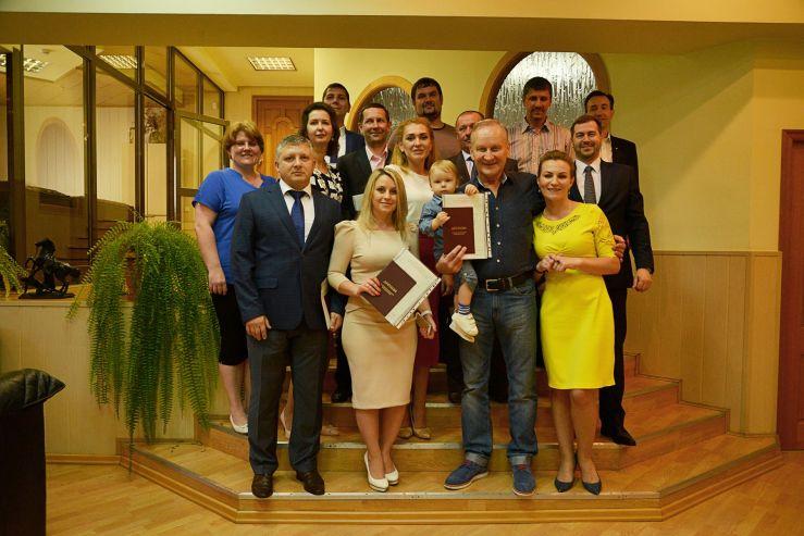 Президент ВГУЭС Геннадий Лазарев вручил дипломы выпускникам программы «Master of Business Administration» (MBA)