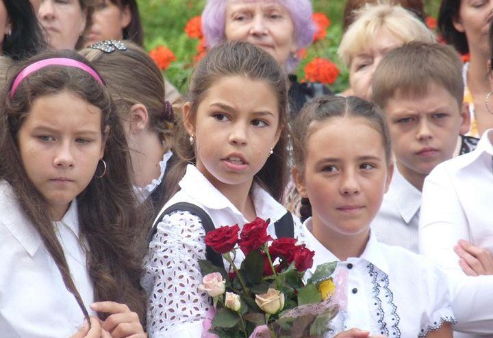 Ректор и проректоры университета 1 сентября лично поздравили учеников Школы-интерната для одаренных детей ВГУЭС с Днем знаний