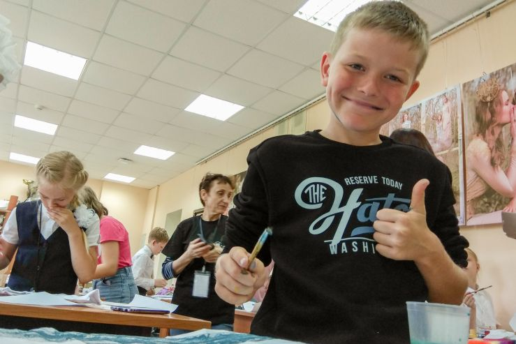 Фирменный стиль своими руками творили школьники на мастер-классе во ВГУЭС