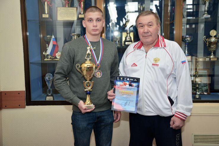 Студент ВГУЭС занял второе место в Дальневосточном первенстве по боксу