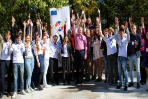 Ambassador of EU and students of VSUES studying International Relations met at the European School