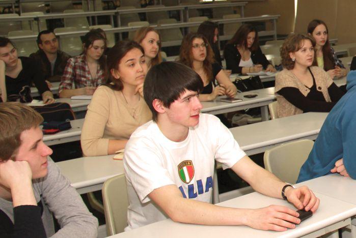 В каких компаниях лучше работать? Студентам ВГУЭС советует специалист по подбору персонала ОАО «Альфа Банк»