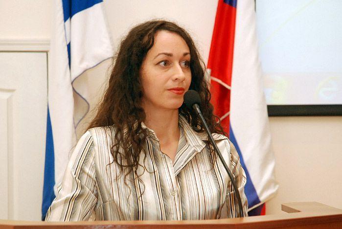 Поздравляем преподавателя ВГУЭС Анастасию Кучеренко с защитой кандидатской диссертации