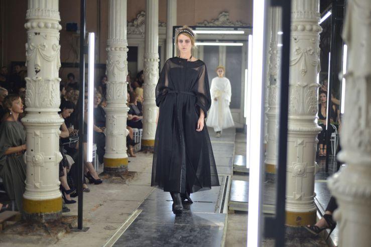 Выпускница ВГУЭС – руководитель Владивостокского модного дома Succub представила свою коллекцию Beauty Box