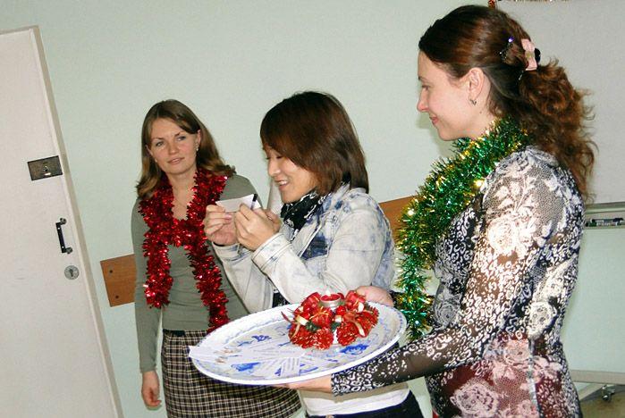 Иностранные студенты во ВГУЭС отпраздновали Новый год и Рождество