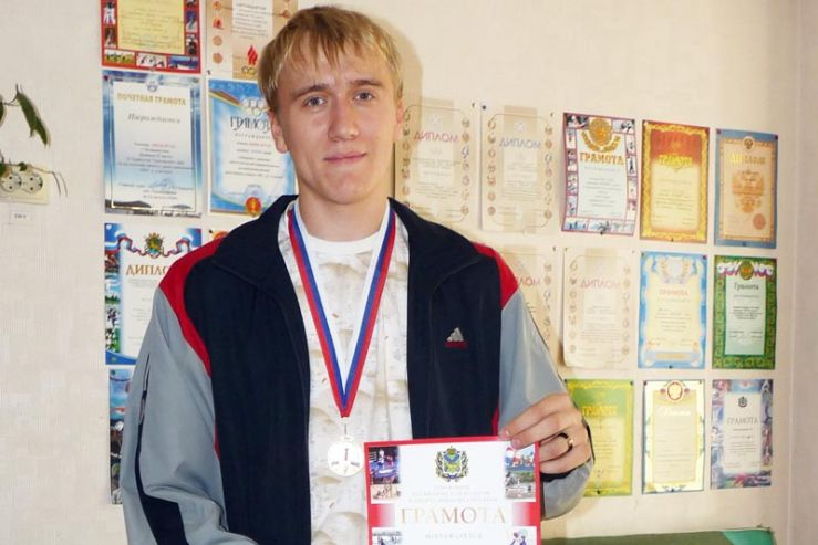 Ученик 11Б класса занял первое место в соревнованиях Приморского края по легкой атлетике